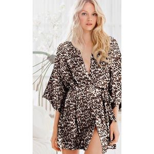 Victoria's Secret Leopard Print Kimono Robe